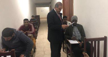 رئيس جامعة الأزهر يتفقد لجان الامتحانات: نستهدف تخريج جيل يبنى الوعى (صور)