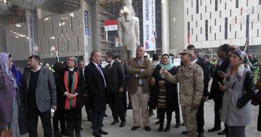 باقى على الحلو خطوة.. رجال مصر يسابقون الزمن لإنهاء أعمال المتحف المصرى الكبير