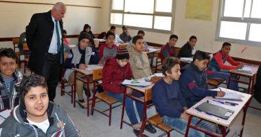وكيل تعليم البحيرة يتفقد أعمال امتحانات نصف العام بمدارس دمنهور