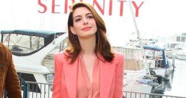 بتوقيع Petar Petrov.. آن هاثاواى تروج لفيلمها الجديد Serenity بكاليفورنيا