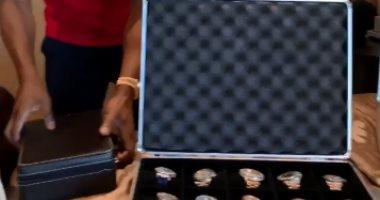 """مبالغ فلكية.. الملاكم الأمريكى فلويد مايويذر يستعرض ساعات اليد الخاصة به """"فيديو"""""""