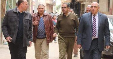صور.. رئيس مدينة زفتى يشارك فى حملة لإزالة الأبراج المخالفة