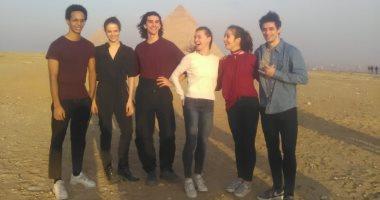 فريق أوبرا باريس يزور منطقة الأهرامات.. صور