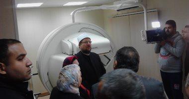 وزير الأوقاف يتفقد وحدة المسح الذرى بمستشفى الدعاة