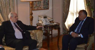 سامح شكرى يستقبل نائب وزير خارجية اليونان لبحث العلاقات الثنائية