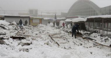 صور.. الجليد يشل الحياة فى عواصم أوروبية وأمريكية