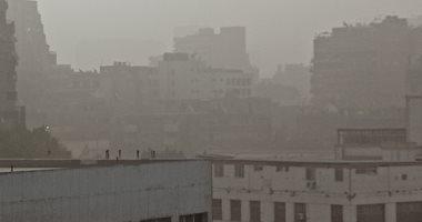 صور.. بدء نشاط العاصفة الترابية فى سماء القاهرة والجيزة