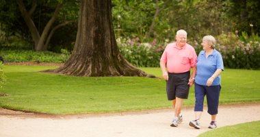 الحركة بركة.. تعرف على أهم فوائد المشى لكبار السن