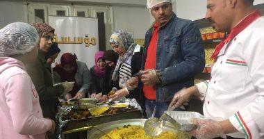 فيديو وصور.. 3 شباب بالشرقية يؤسسون مطبخا خيريا لتوزيع الوجبات على المحتاجين
