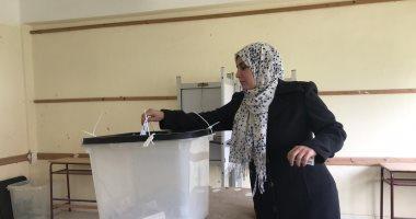 صور.. إقبال أهالى العريش على المشاركة فى انتخابات الإعادة على مقعد النواب