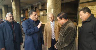 """رئيس """"السكة الحديد"""" يتفقد محطة مصر ويتابع انتظام حركة القطارات"""