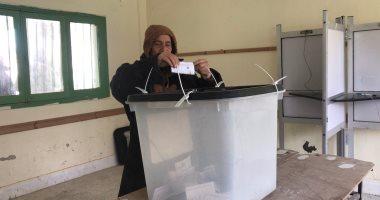 صور.. انتخابات تكميلية هادئة بالعريش والشرطة تساعد كبار السن وذوى الاحتياجات