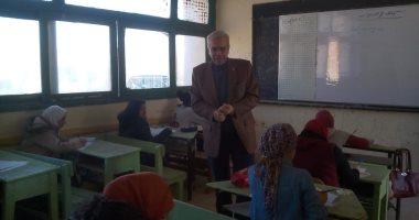 مدير تعليم القليوبية يتفقد سير امتحانات الشهادة الإعدادية