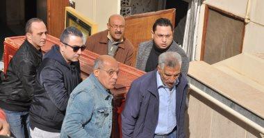 وصول جثمان الفنان الراحل سعيد عبد الغنى لمسجد الصديق لأداء صلاة الجنازة
