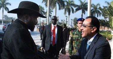 رئيس الوزراء يودّع سلفاكير بالمطار بعد انتهاء زيارته للقاهرة