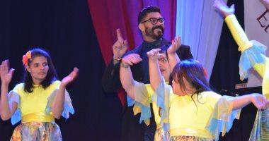 صور.. خالد سليم يشارك الأطفال ذوى الاحتياجات الخاصة حفلا بمعهد الموسيقى