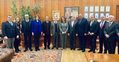 """صفحة """"متحدث الخارجية"""" نتشر صور زيارة سامح شكرى وغادة والى لجامعة بيروت"""