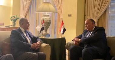 وزيرا خارجية مصر والعراق يبحثان تطورات القضايا الإقليمية وسبل تعزيز العلاقات