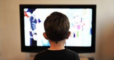 مشاهدة التليفزيون تسبب البدانة أكثر من أنشطة الجلوس الأخرى