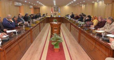محافظ أسيوط يترأس اجتماع المناطق الصناعية لمناقشة تنمية المناطق الجديدة