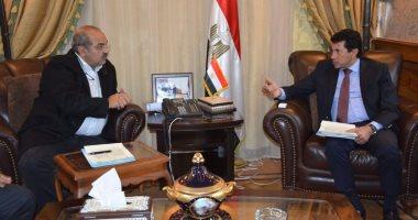 جلسة بين وزير الرياضة ورئيس الأولمبية لمناقشة مستجدات عودة النشاط