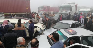إصابة شخص فى حادث تصادم سيارتين بطريق الواحات الصحراوى