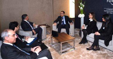 مدبولى ووزير الاقتصاد السعودى يتفقان من دافوس على تعزيز التعاون بين البلدين