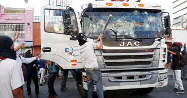 صور.. أعمال عنف تجتاح فنزويلا عقب تنصيب مادورو نفسه رئيسا لفترة ثانية