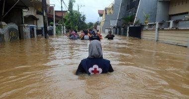 شاهد.. الأمطار تغرق 270 قرية فى إيران وانهيارات أرضية