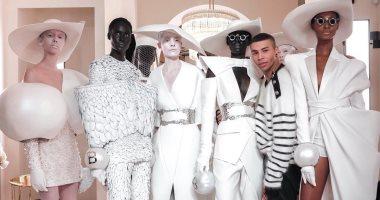 شبكة وكور وجناحات.. أغرب عروض أزياء أسبوع الموضة بباريس 2019 × 35 صورة