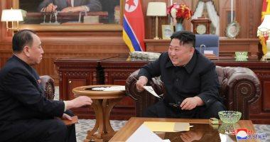 صور.. زعيم كوريا الشمالية يلتقى وفد بلاده عقب عودته من الولايات المتحدة
