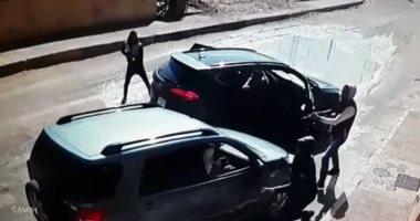 حبس عاطل 4 أيام على ذمة التحقيق بتهمة سرقة السيارات فى الأميرية