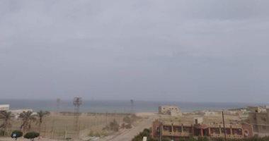 صور.. سقوط أمطار غزيرة بطريق غارب - الشيخ فضل.. ومجلس المدينة يحذر المواطنين