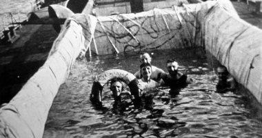 حمام سباحة قماش.. الرحلات البحرية فى القرن الـ19 × 14 صورة