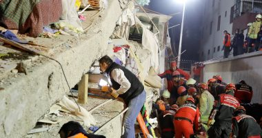 إنقاذ 11 شخصا من تحت الأنقاض بعد انهيار مبنى فى الصين
