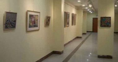 بأعمال أبرزت بيئاتها المصرية.. المعرض الطواف الثالث بقصر ثقافة السويس (صور)