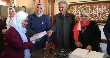 بدء توزيع أجهزة التابلت على طلبة المدارس الثانوية بشمال سيناء