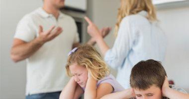 من غير خناق.. كم مرضا يمكن أن يصيب طفلك نتيجة المشاجرات الزوجية؟
