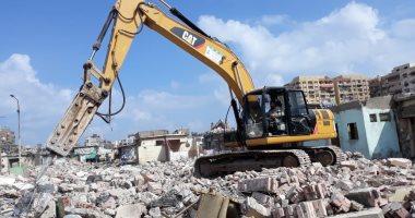 صور.. الانتهاء من إزالة المنطقة العشوائية بمحيط سوق السمك الجديد وسجن بورسعيد