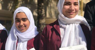طالبات الثانوى بشمال سيناء يشدن بدور أجهزة التابلت فى تسهيل التحصيل العلمى