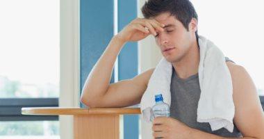 علاج الصداع بالأعشاب وشرب الماء