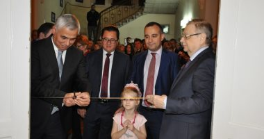 السفير الروسى يفتتح معرض إبداعات دبلوماسية بالمركز الثقافى