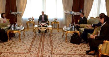 وزير الطيران يلتقى وفد البنك الدولي لبحث سبل التعاون المشترك