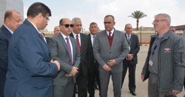 صور .. جولة تفقدية لوزير الطيران بشركة مصر للطيران للخدمات الجوية