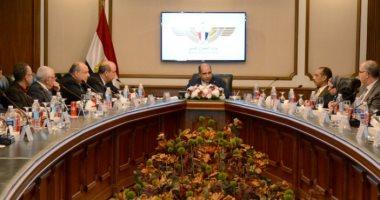 وزير الطيران يلتقى رؤساء مجالس إدارات وممثلى شركات الطيران الخاصة
