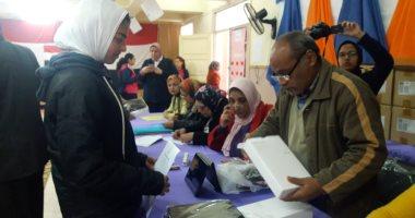 صور.. بدء تسليم 45 ألف جهاز تابلت بمدارس الإسكندرية