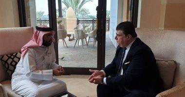 صور .. حسين زين يلتقى الرئيس التنفيذى لمركز الاتصال الوطنى بالبحرين