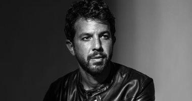 """الفنان الشاب عمر الشناوى يرزق بمولوده الأول ويطلق عليه """"حسن"""""""