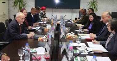 وزيرا البيئة والإنتاج الحربى يجتمعان مع البنك الدولى لبحث منظومة النظافة