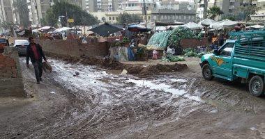 قارئ يشكو من وجود ماسورة مياة مكسورة بنهاية شارع مصطفى النحاس بالقاهرة